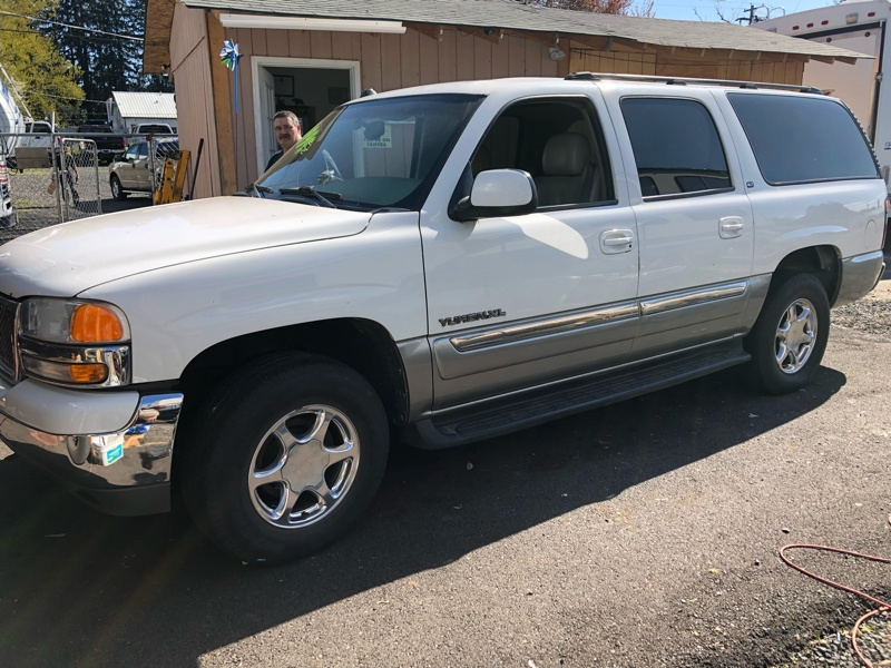 GMC Yukon XL 2004 price $3,445