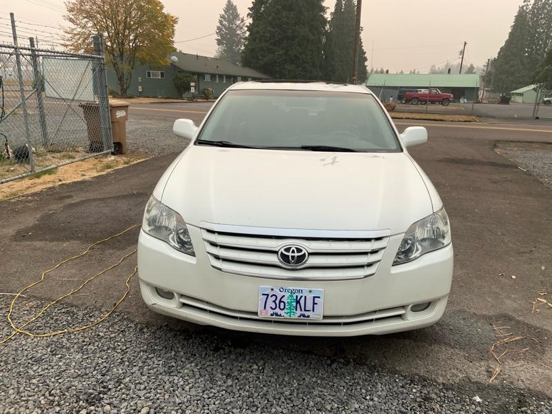 Toyota avalon 2007 price $4,999