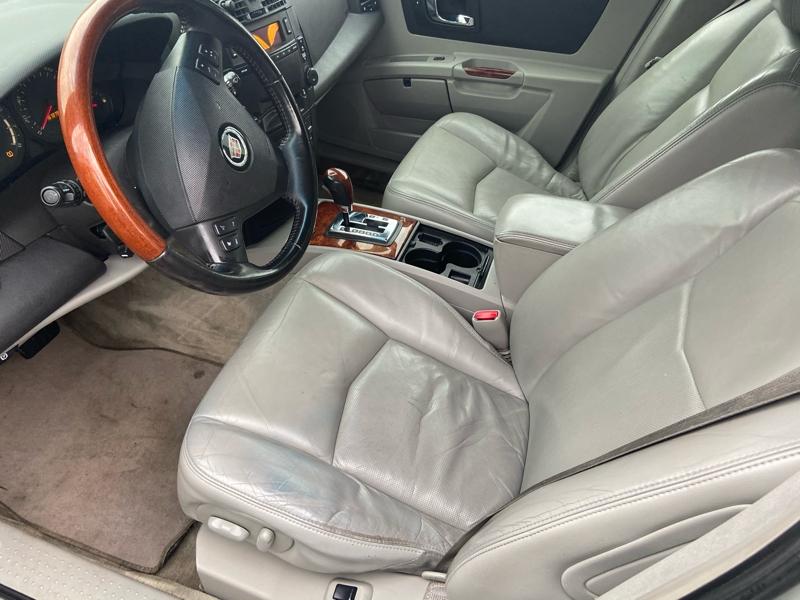 Cadillac SRX 2004 price $4,900
