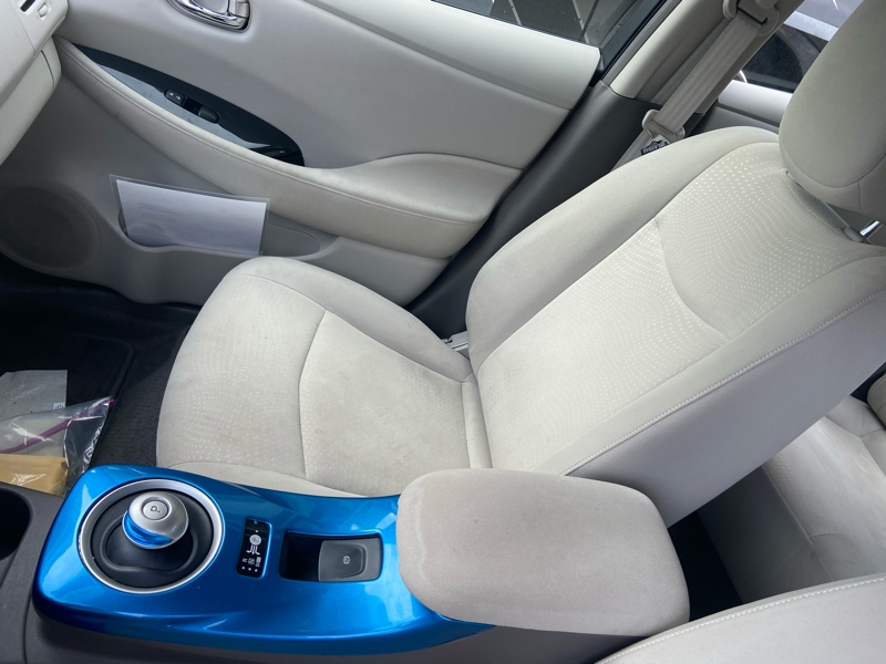 Nissan LEAF 2011 price $4,999