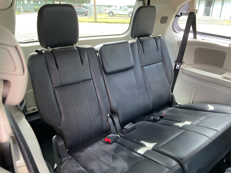 Chrysler Town & Country 2012 price $6,999