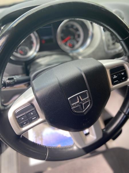 Dodge Grand Caravan 2011 price $5,999
