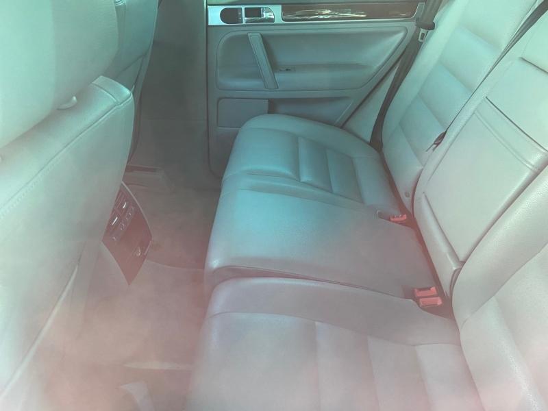 Volkswagen Touareg 2005 price $3,900