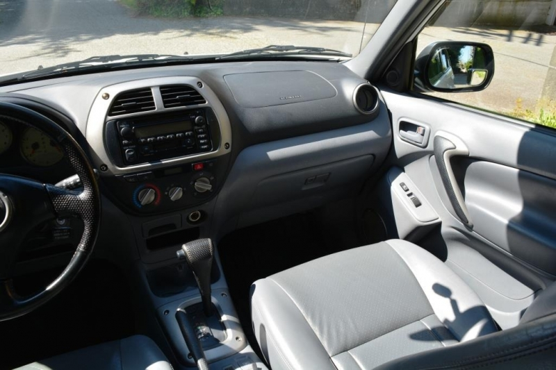Toyota RAV4 2002 price $10,995