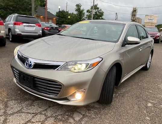 Toyota Avalon Hybrid 2013 price $15,997