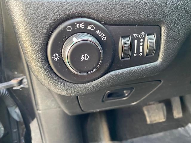 Jeep Cherokee 2015 price $19,997