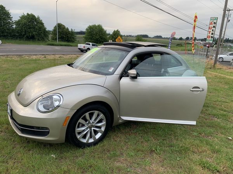 Volkswagen Beetle Coupe 2013 price $9,550