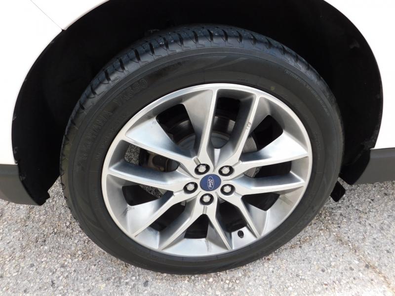 Ford Edge 2015 price $14,750