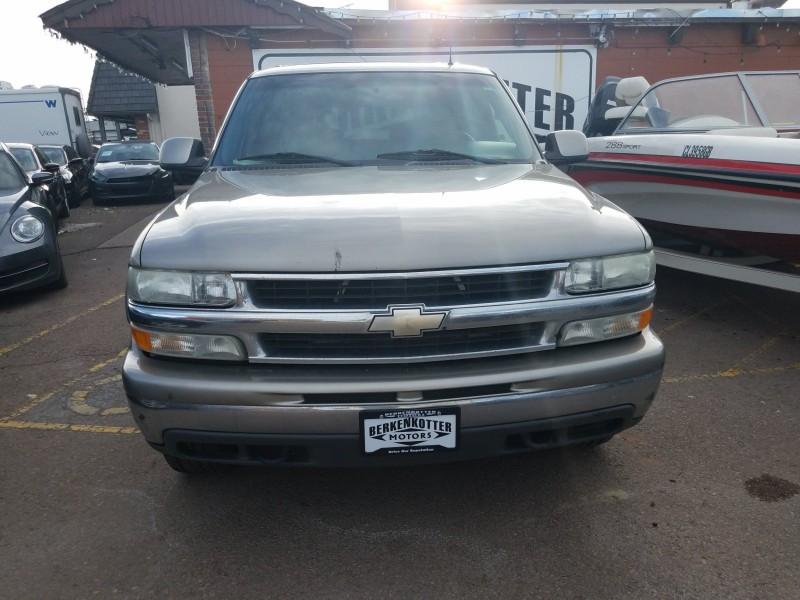 Chevrolet Suburban 2002 price $4,495