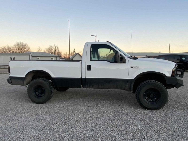 Ford F-250 Super Duty 2004 price $8,995