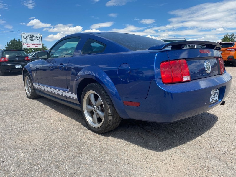Ford Mustang 2006 price $8,900