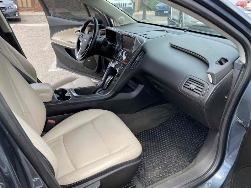 Chevrolet Volt 2011 price $8,900