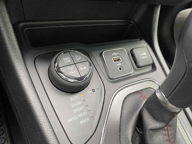Jeep Cherokee 2020 price $32,900