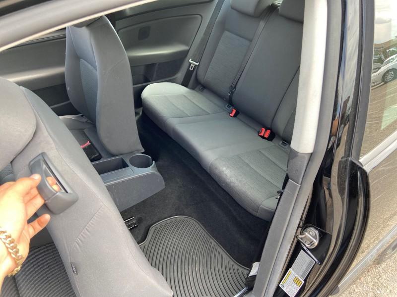 Volkswagen Rabbit 2007 price $5,900