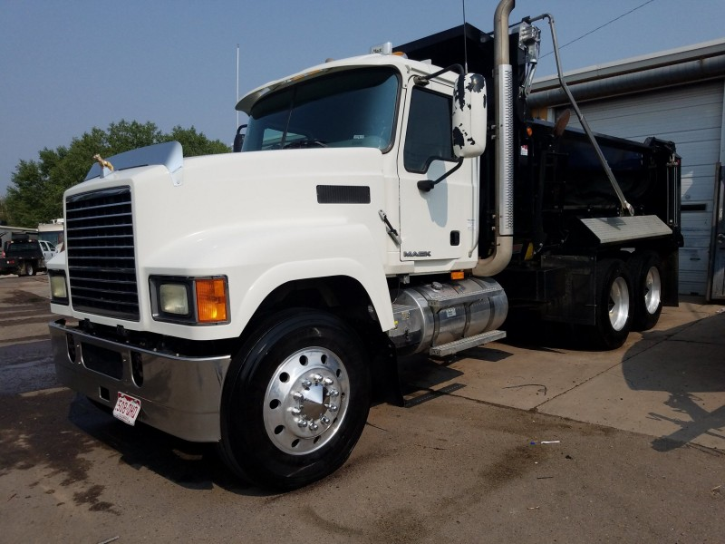 Mack Pinnacle 2009 price $49,995