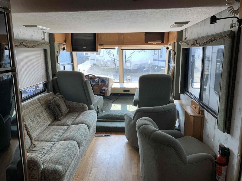 Chevrolet Motorhome Chassis 1999 price $18,900