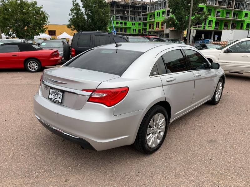 Chrysler 200 2012 price $5,900