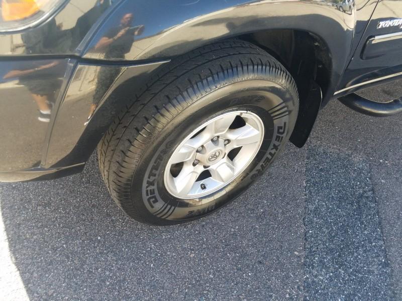 Toyota Tundra 2005 price $9,900