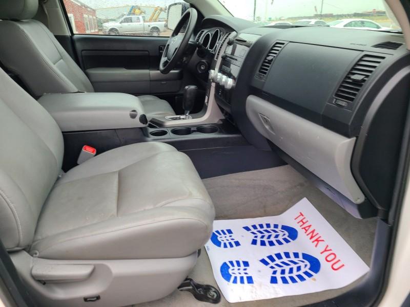 Toyota Tundra 2011 price $15,950