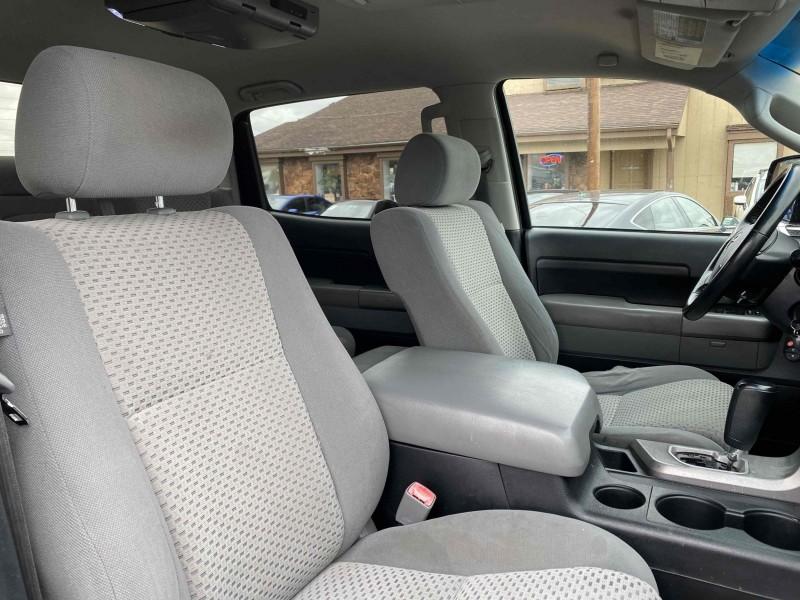 Toyota Tundra 2010 price $15,900