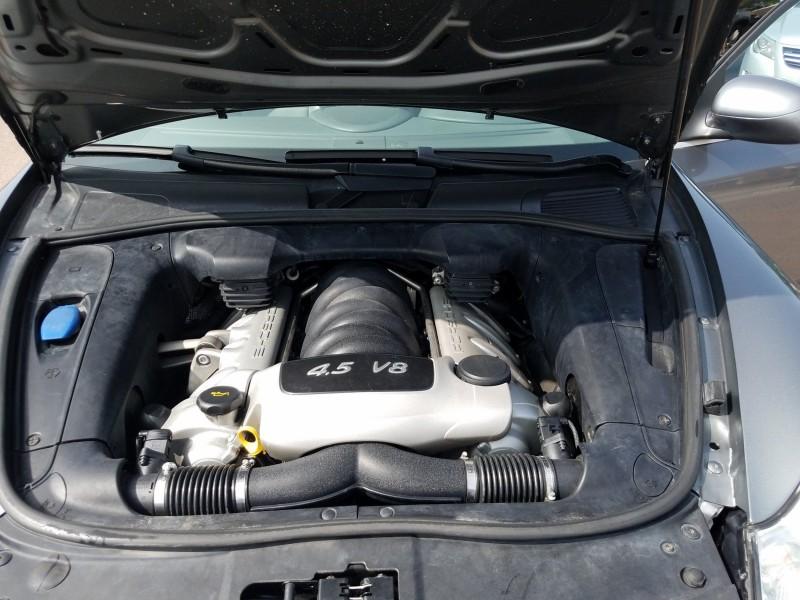 Porsche Cayenne 2005 price $10,900