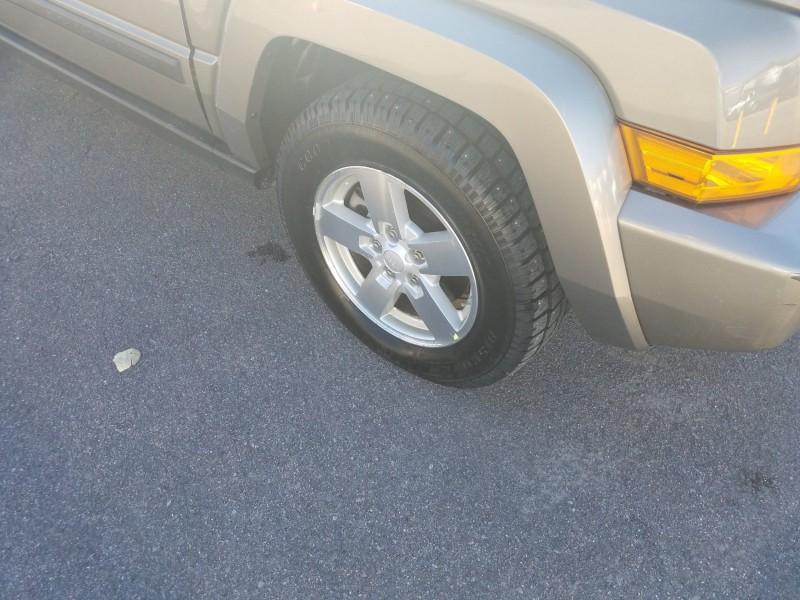 Jeep Commander 2006 price $14,900
