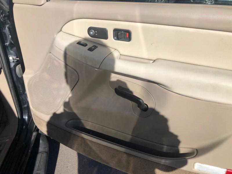 Chevrolet Suburban 2002 price $5,995