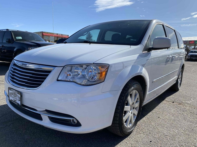 Chrysler Town and Country 2014 price $11,900