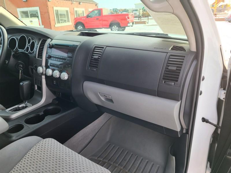 Toyota Tundra 2011 price $15,400