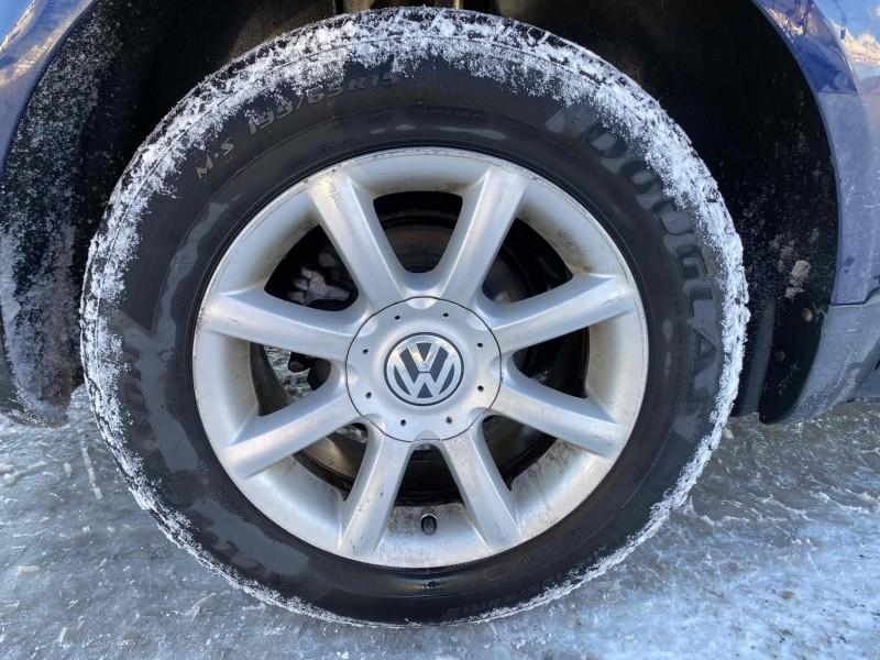 Volkswagen Passat 2004 price $2,488