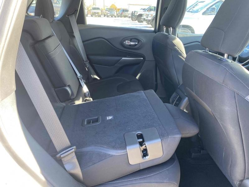 Jeep Cherokee 2019 price $16,995