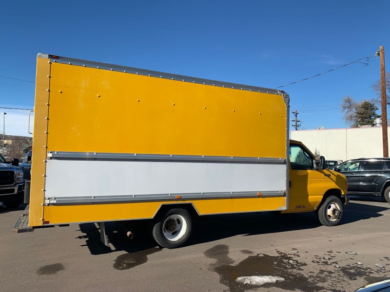 Ford E-Series Chassis 2005 price $7,995