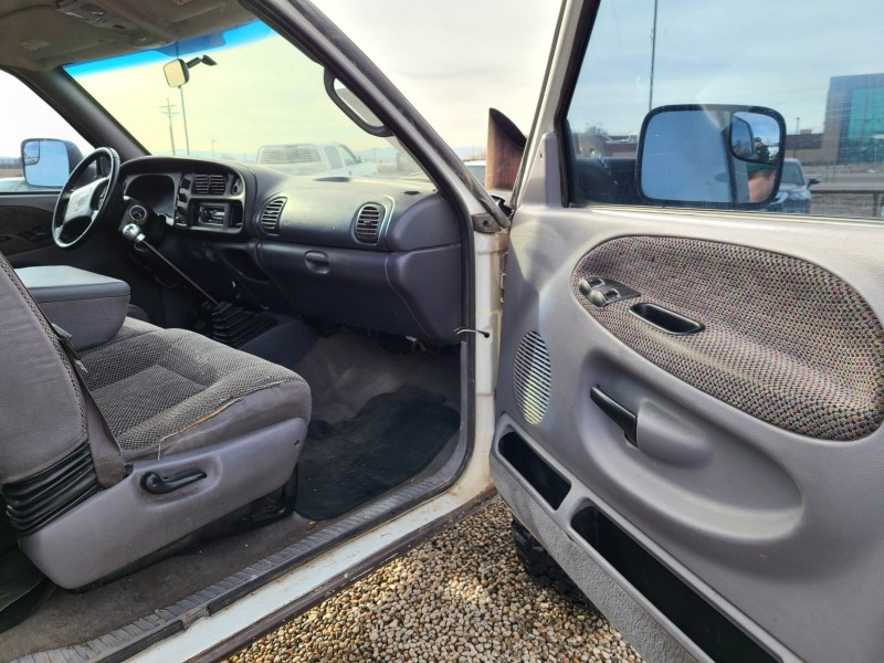 Dodge Ram Pickup 2500 2001 price $11,400