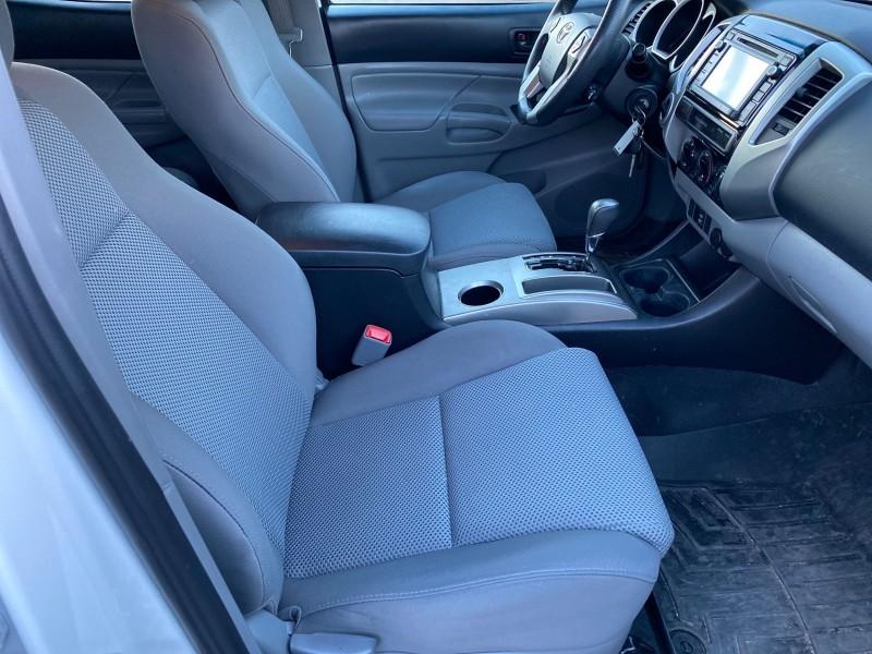 Toyota Tacoma 2015 price $29,995