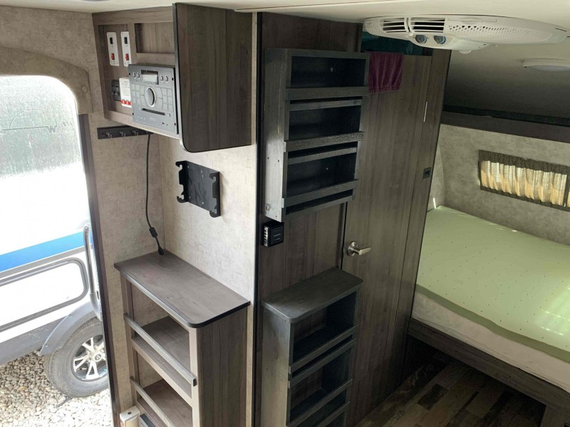 Winnebago Winnie Drop 2018 price $19,900