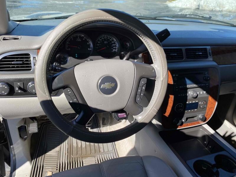 Chevrolet Suburban 2007 price $10,988