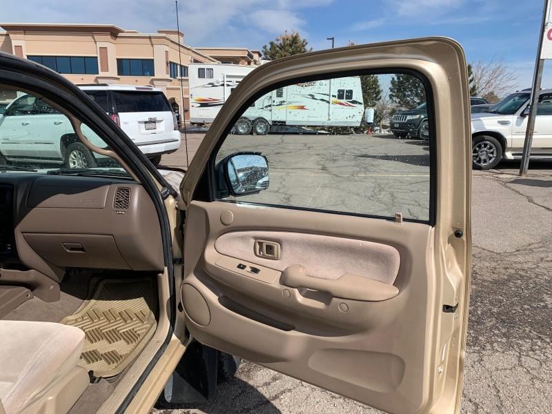 Toyota Tacoma 2001 price $14,988