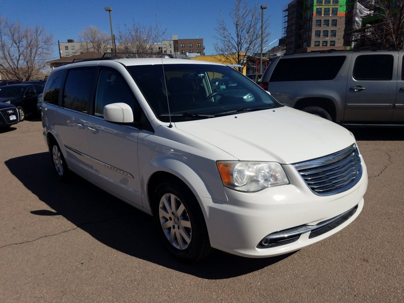 Chrysler Town and Country 2013 price $9,900