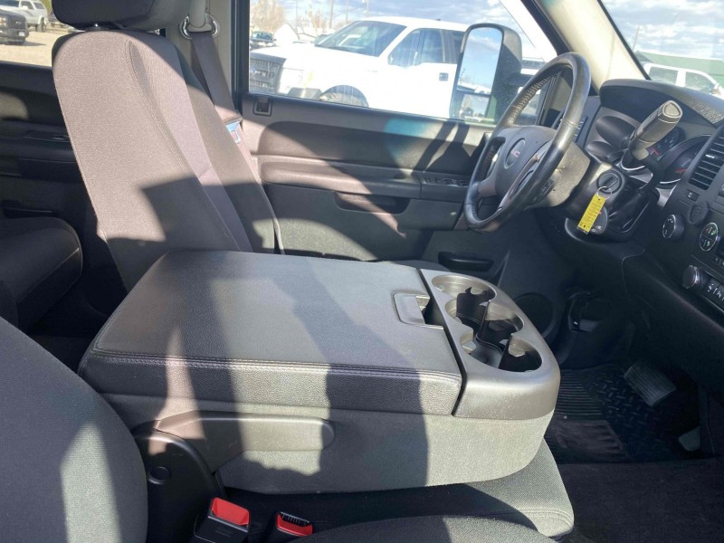 GMC Sierra 2500HD 2013 price $27,995
