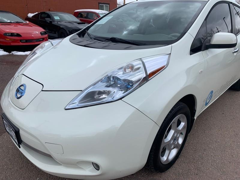 Nissan LEAF 2012 price $7,900