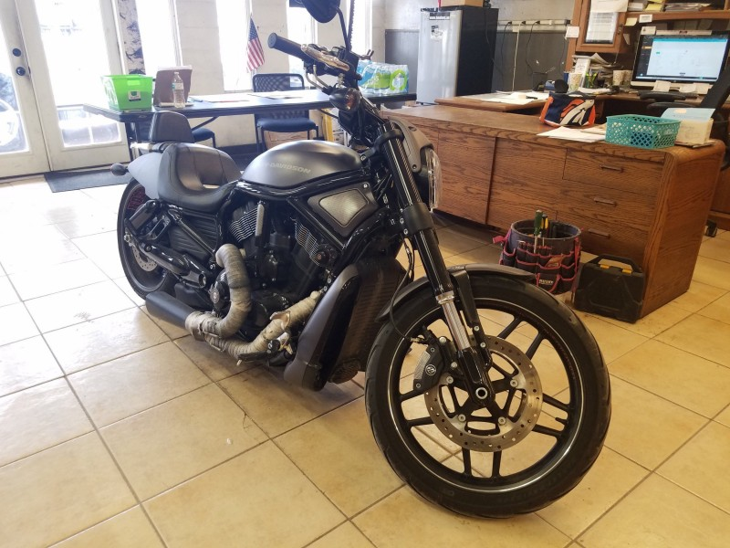 Harley-Davidson V-Rod 2016 price $13,995