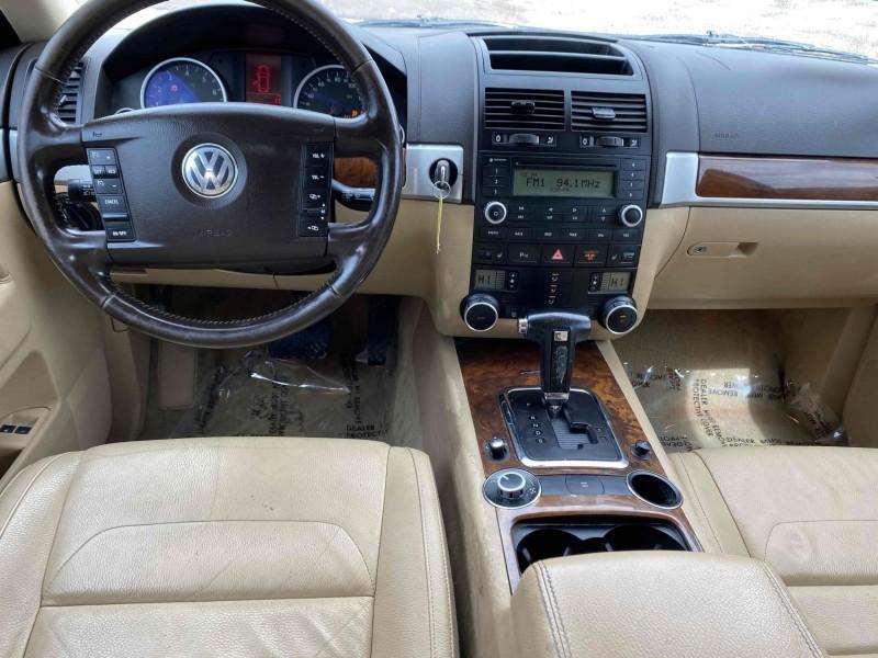 Volkswagen Touareg 2 2008 price $7,988