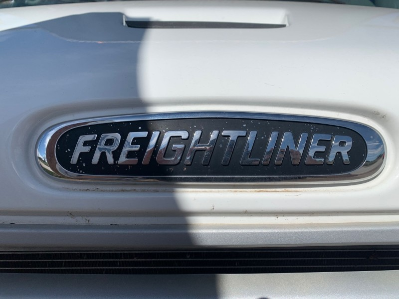 Freightliner M2 106 2013 price $84,888