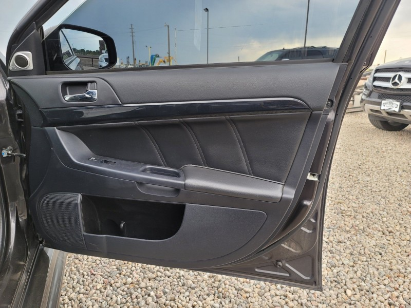 Mitsubishi Lancer Evolution 2015 price $30,450
