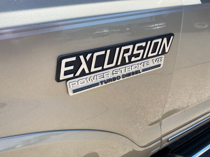 Ford Excursion 2005 price $25,495