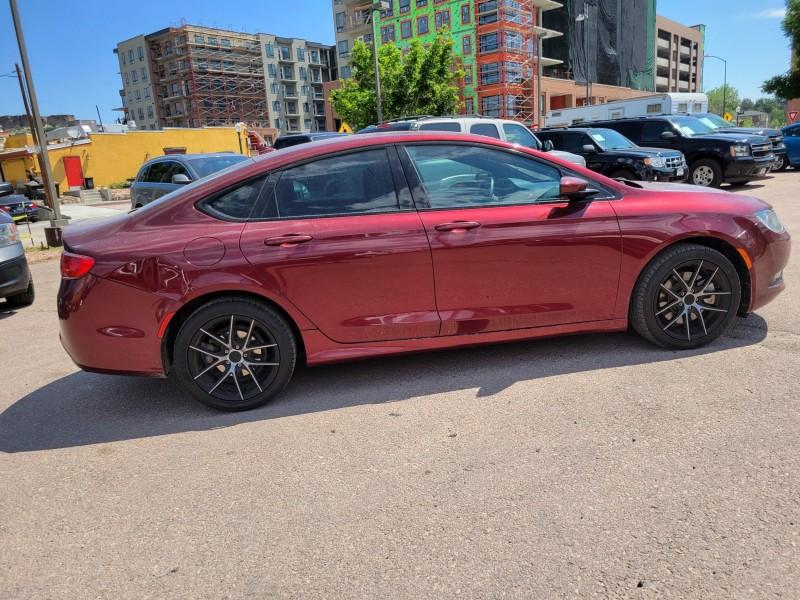 Chrysler 200 2015 price $13,800