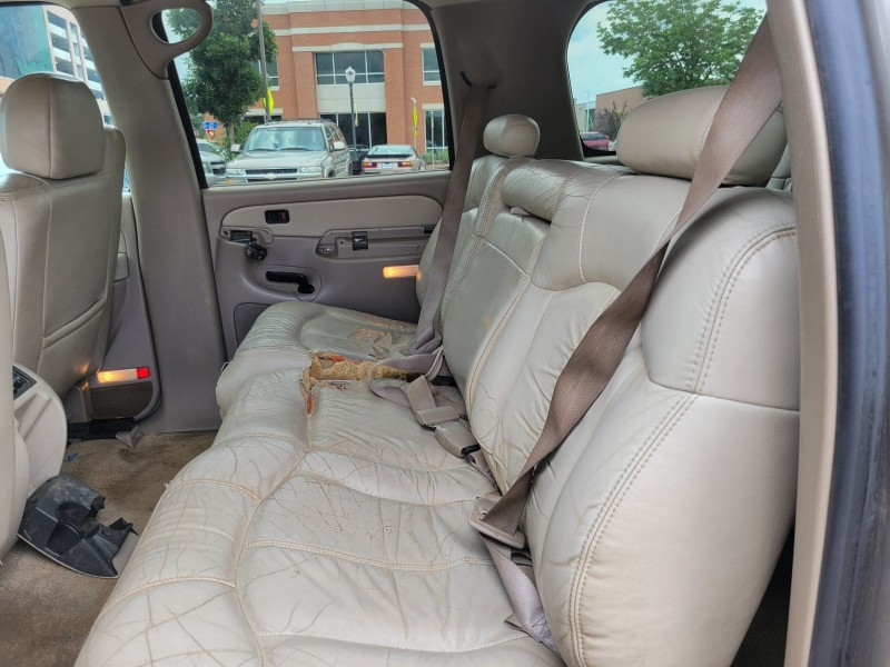 Chevrolet Suburban 2002 price $3,777