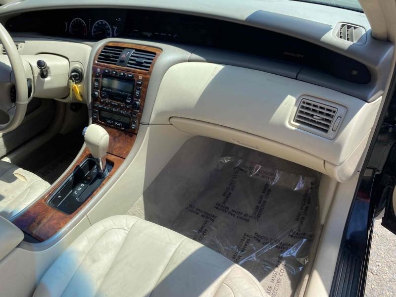 Toyota Avalon 2002 price $5,688