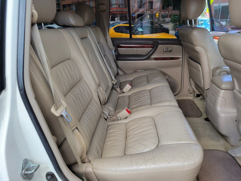 Lexus LX 470 2000 price $14,995