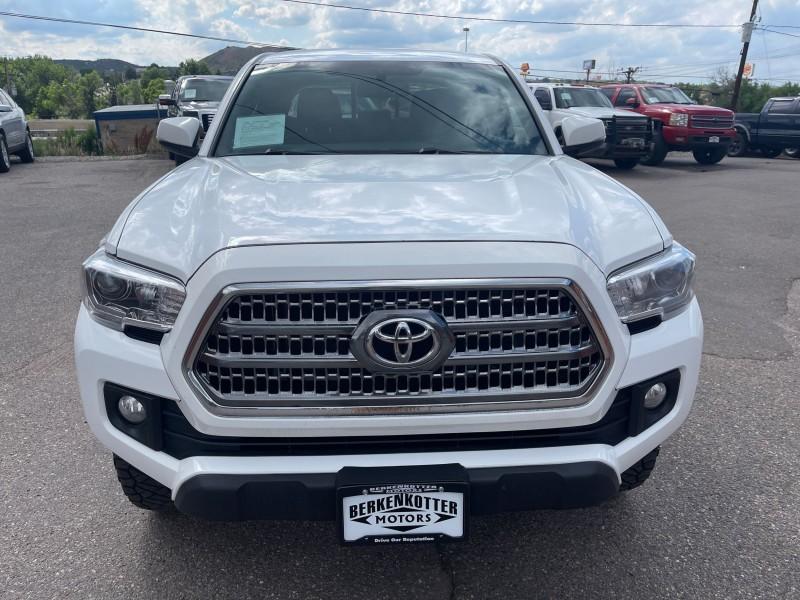 Toyota Tacoma 2016 price $25,995